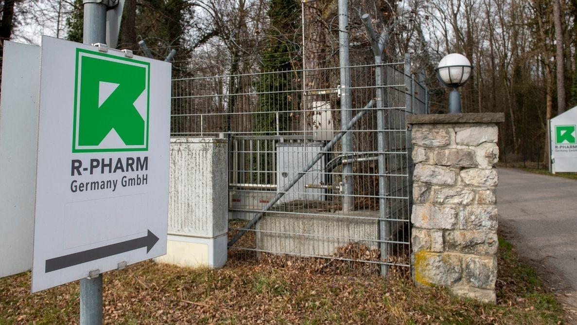 Der Eingang der Firma R-Pharm in Illertissen