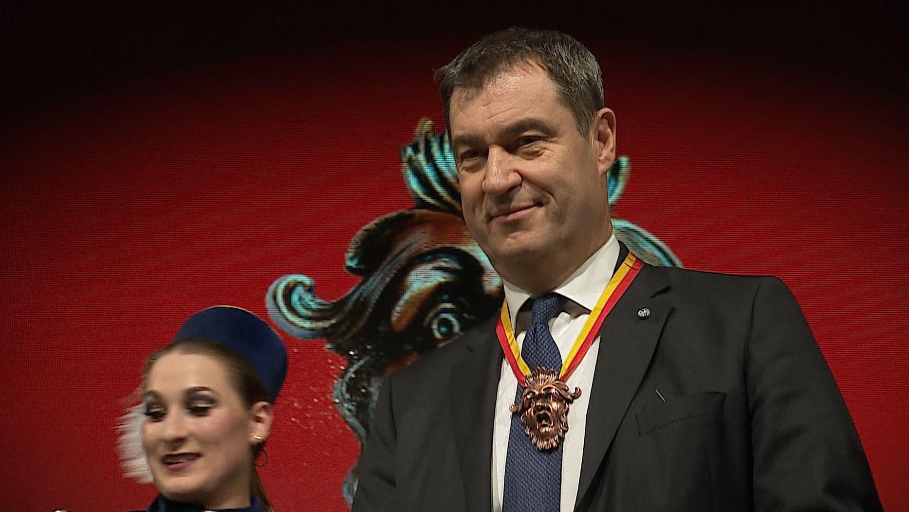 Ministerpräsident Markus Söder mit dem Schlappmaulorden