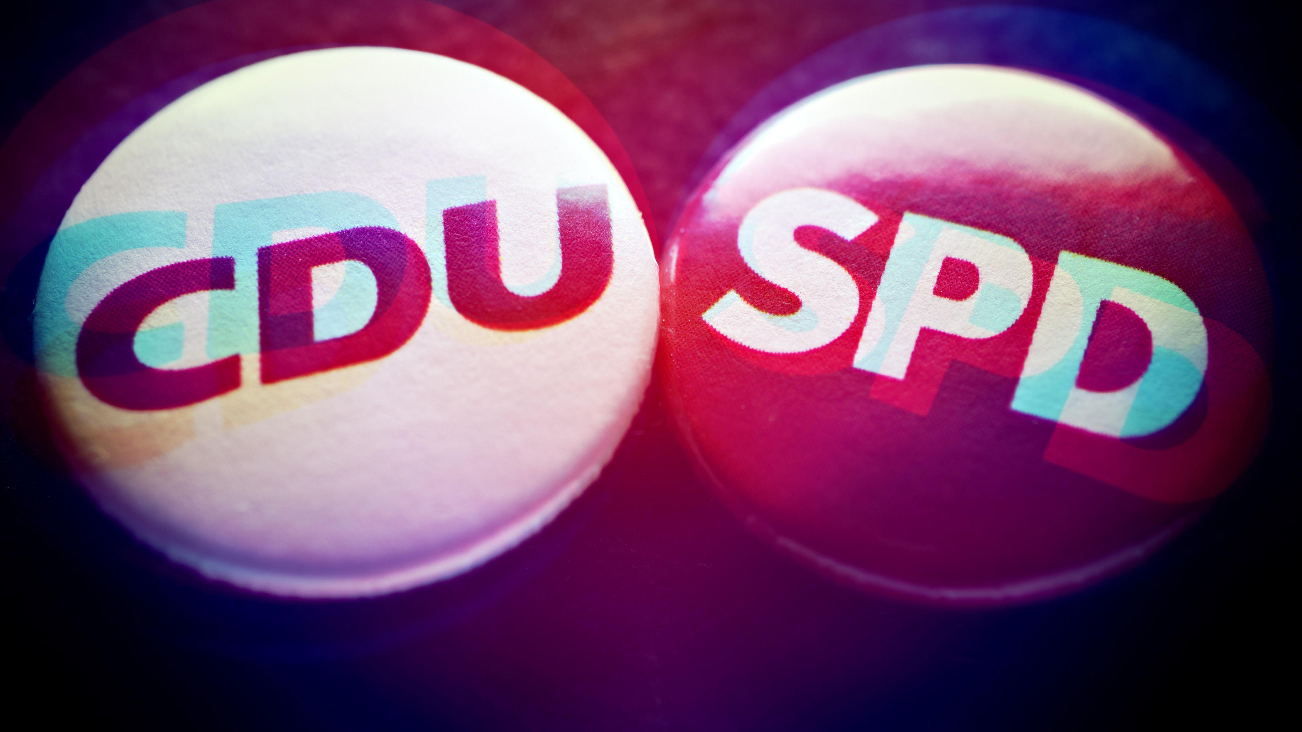 Anstecker der CDU und der SPD