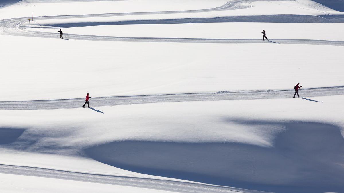 Langläufer im Schnee
