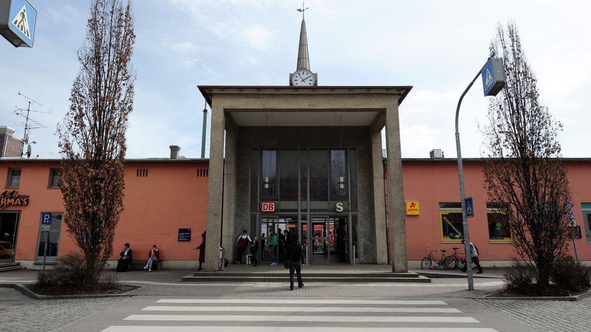 Bahnhof Freising.