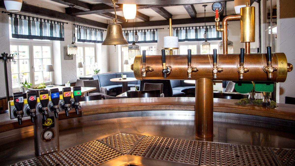Geschlossene Bar in einem Restaurant in Niedersachsen, aufgenommen am 05.05.21 (Symbolbild).