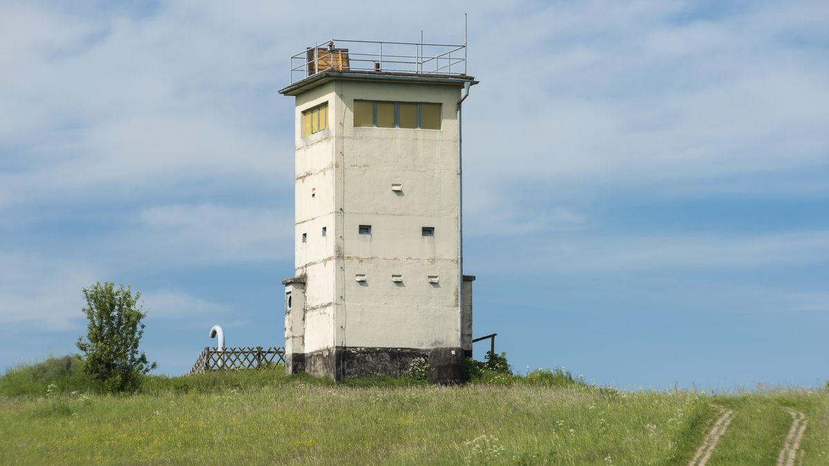Alter Grenzturm, heute Aussichtsturm und Museum, ehemalige Grenze Thüringen-Bayern, Hermannsfeld, Thüringen,