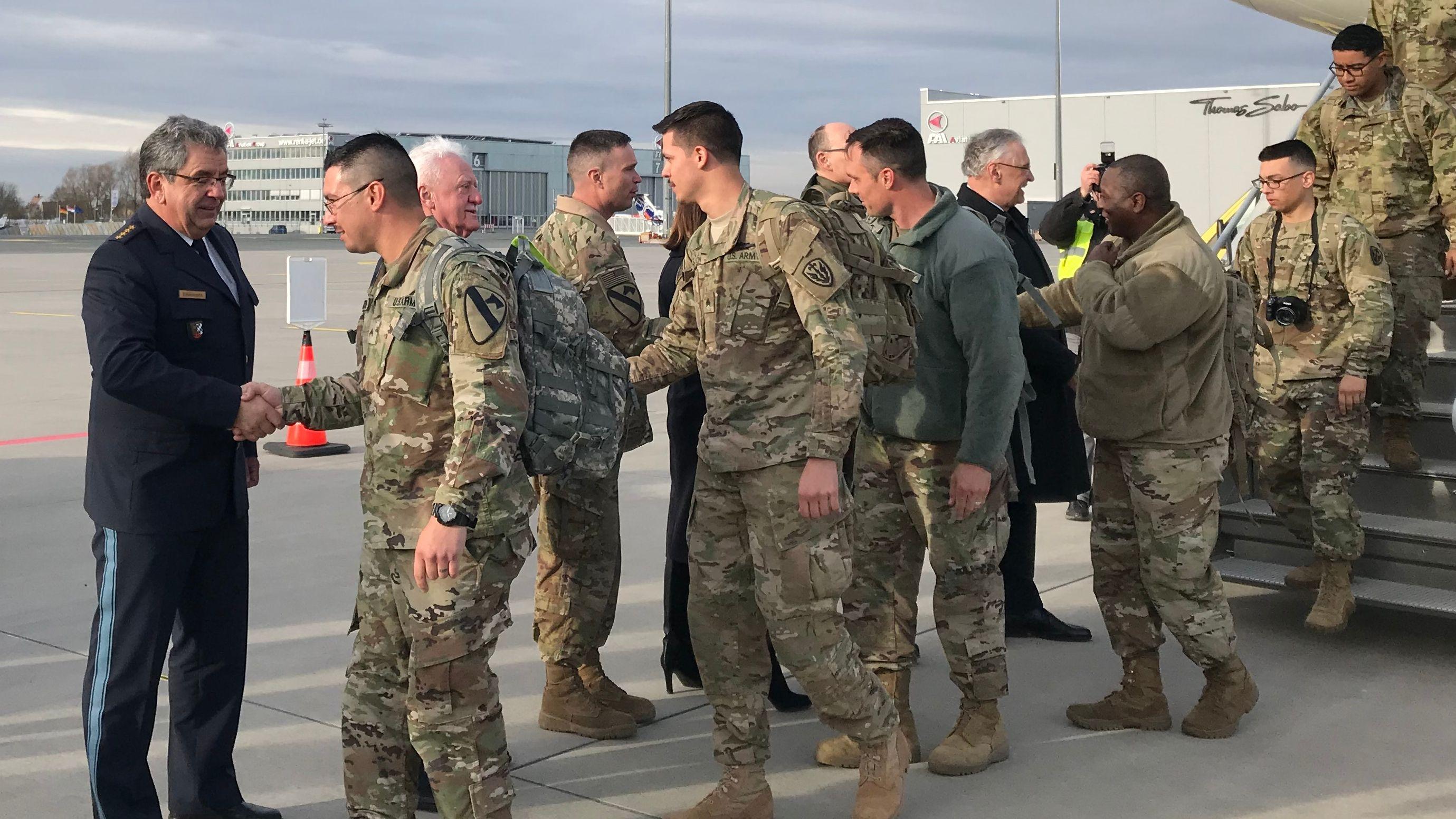 US-Soldaten werden in Nürnberg begrüßt