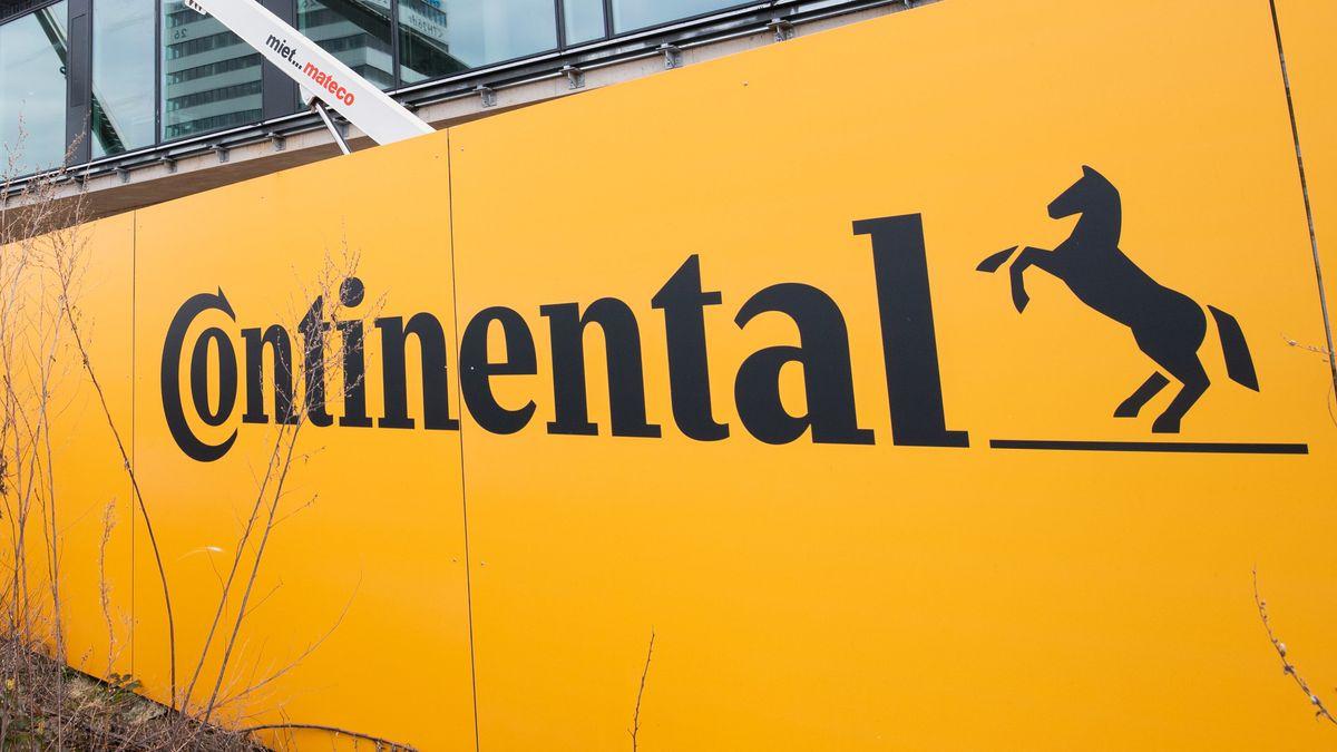 Bauzaun von Continental vor neuer Konzernzentrale 202
