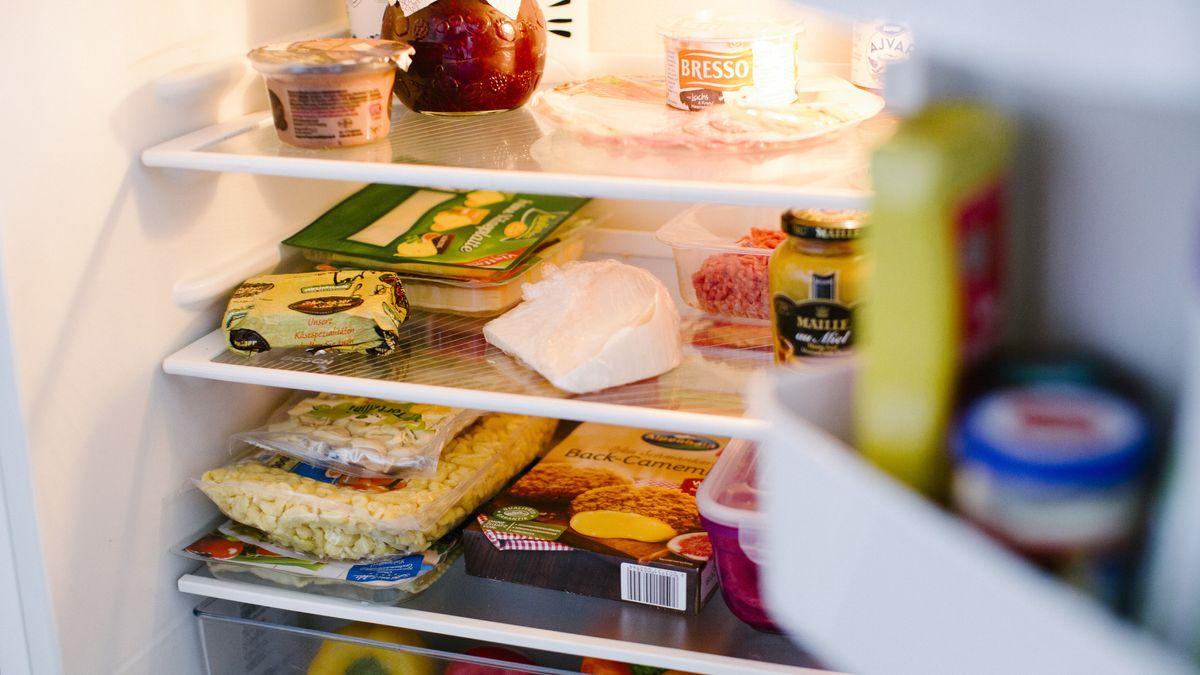 Ein gut gefüllter Kühlschrank.