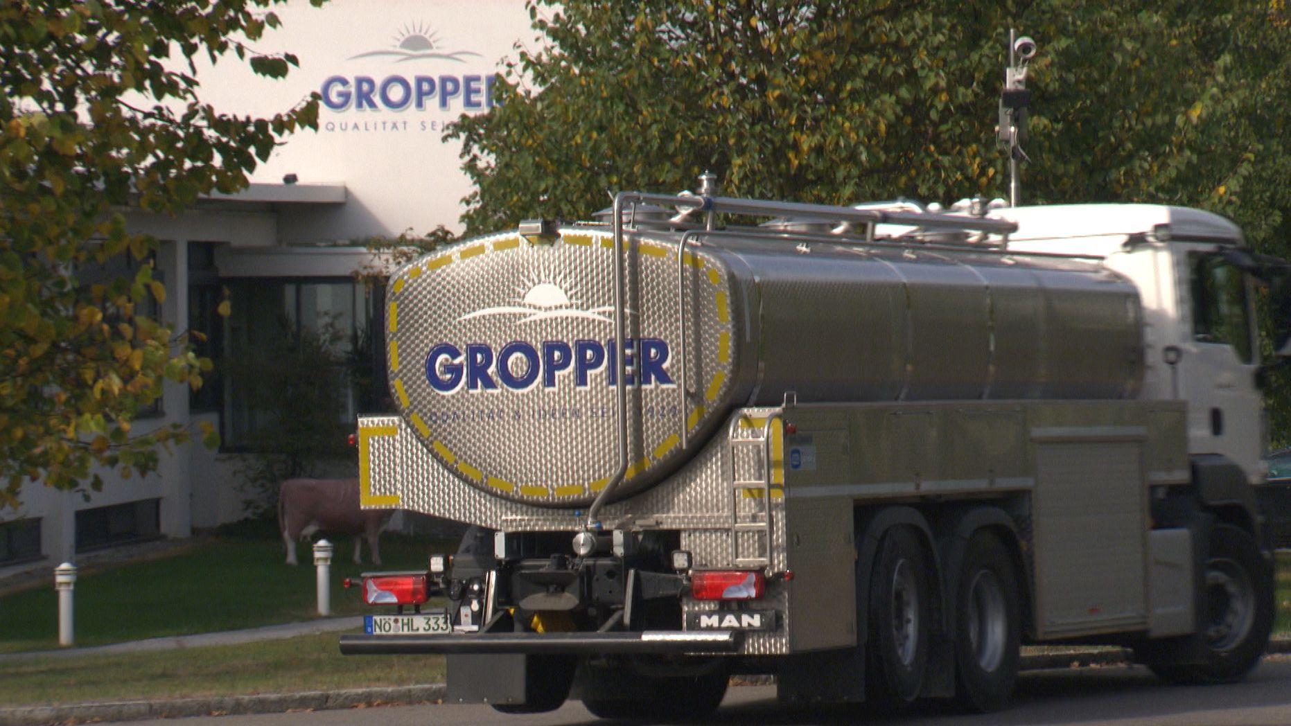 Ein Milchlaster auf dem Gelände der Molkerei Gropper in Bissingen