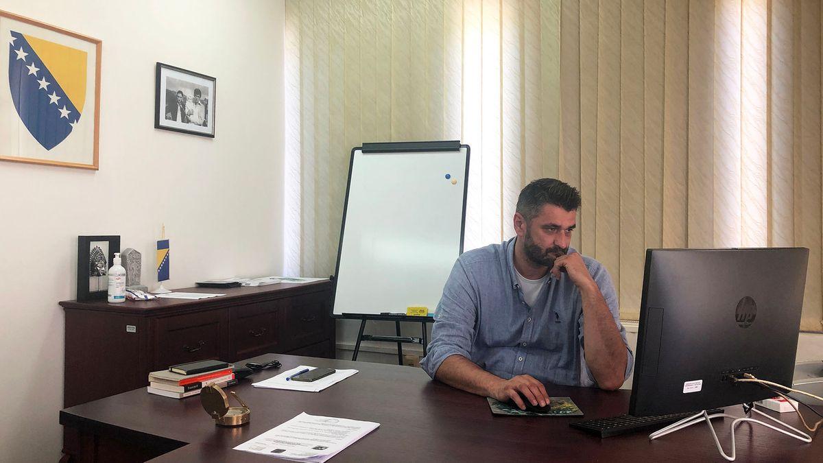Emir Suljagic in seinem Büro