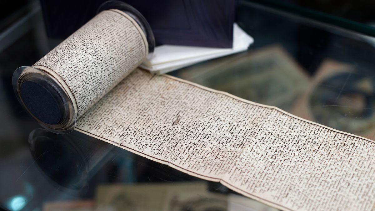 """Papierrolle mit den """"120 Tagen von Sodom"""""""