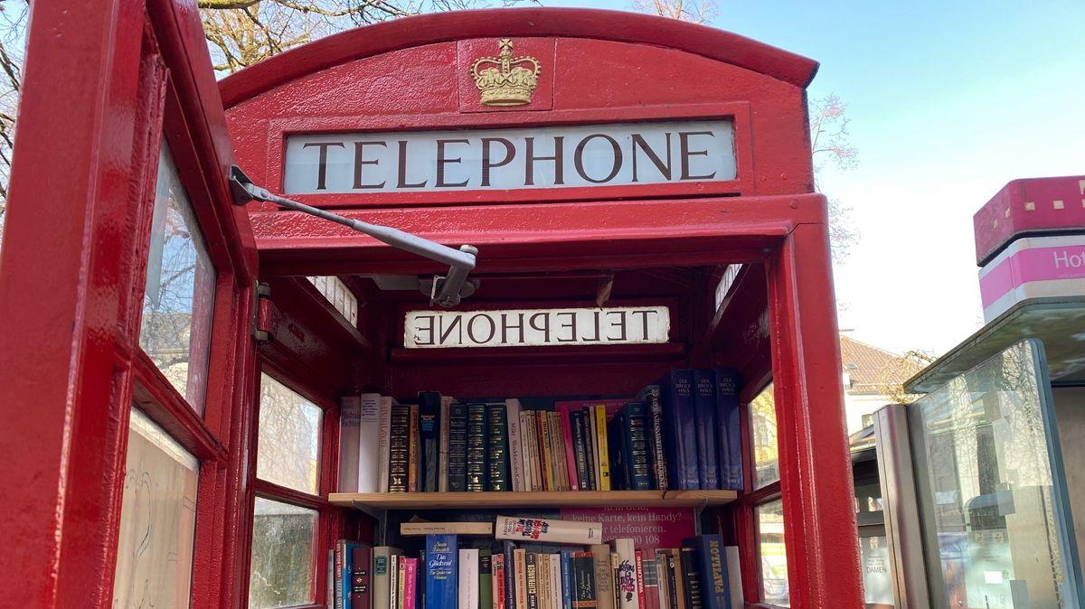 Telefonzelle in Traunstein.