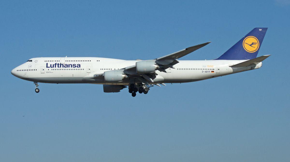 Flugzeug. Lufthansa Nordrhein-Westfalen (GER). Boeing 747-8 1500
