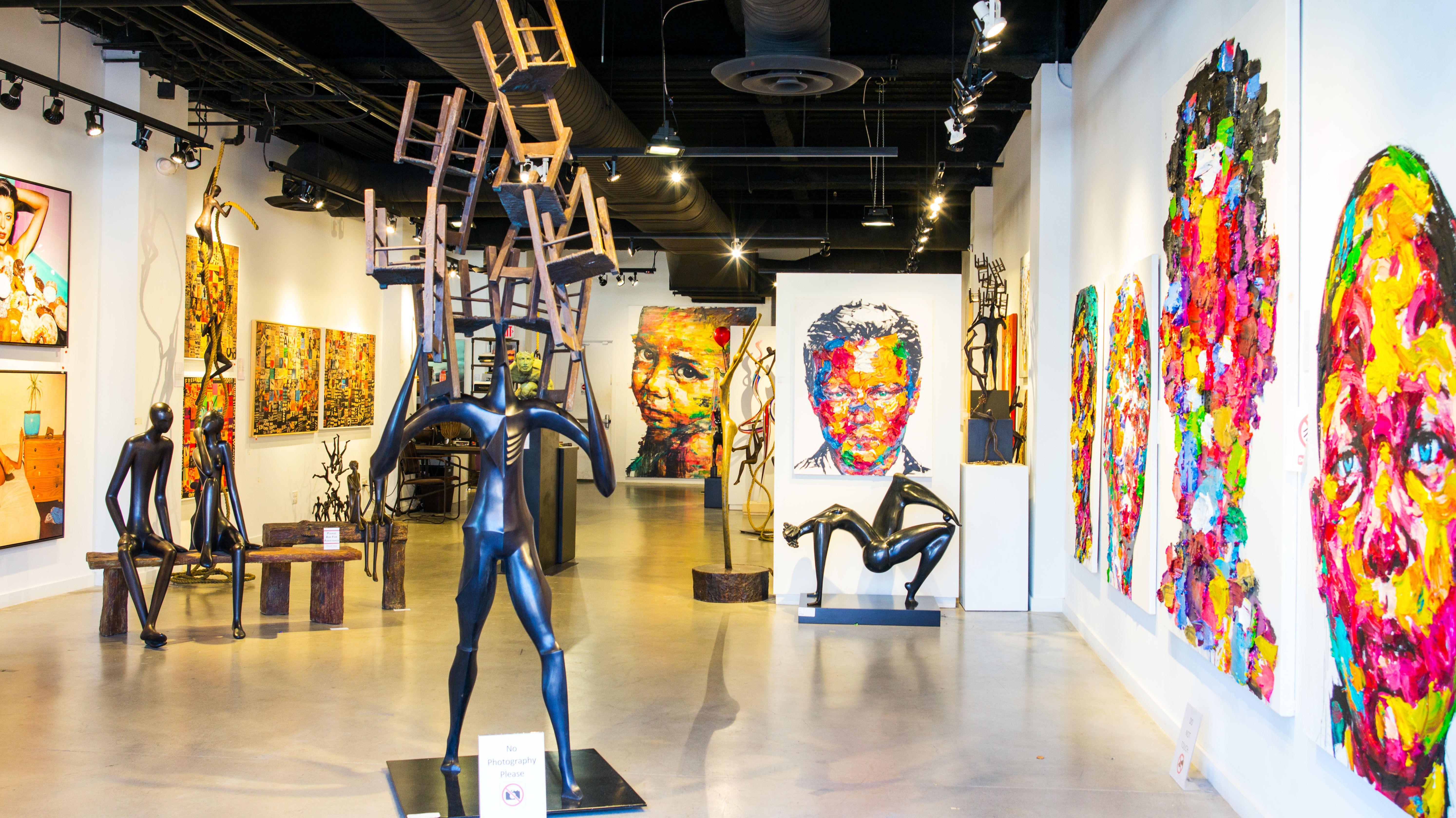 Eine moderne Kunstausstellung in Fishermans Warf Gebiet