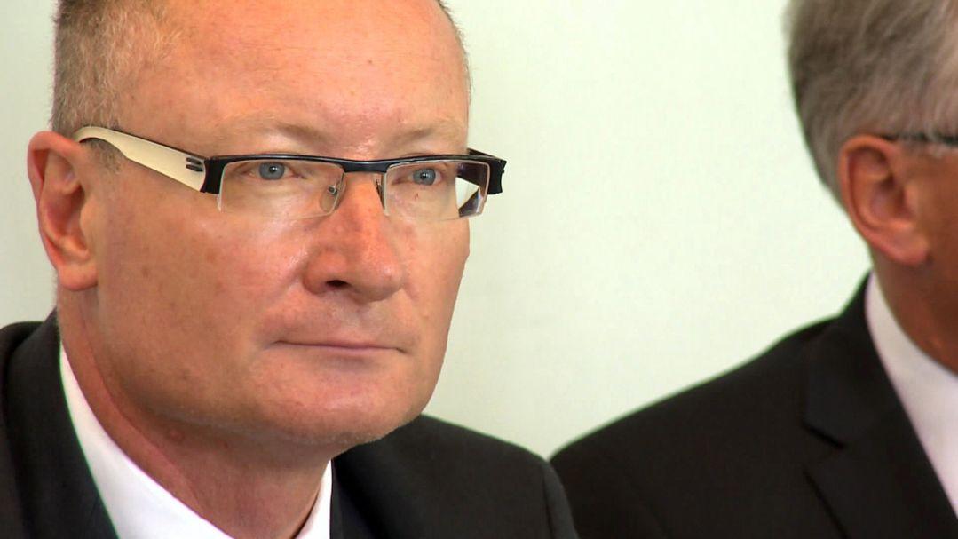 Helmut Nawratil während einer Pressekonferenz (Archivbild 2018)