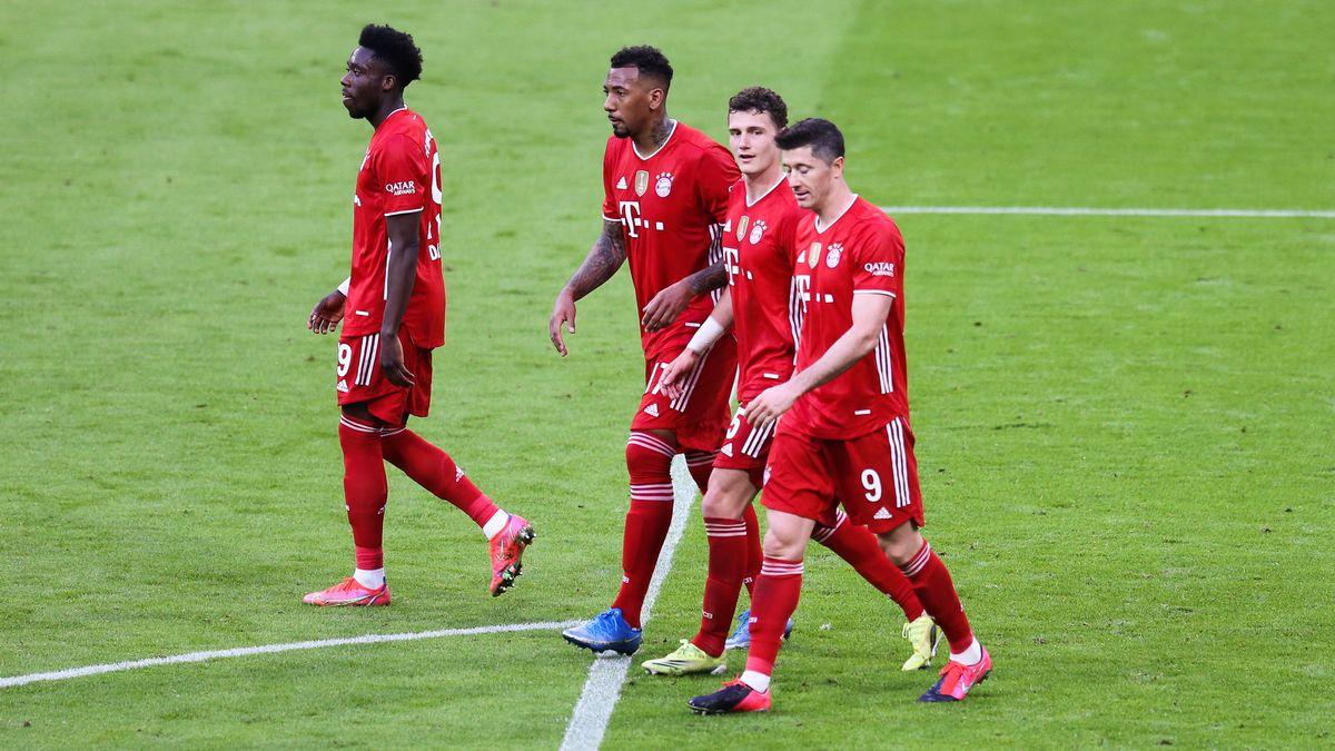 Nach dem 32. Spieltag folgt das Trainingslager: Alphonso Davies (FCB), Jerome Boateng (FCB), Benjamin Pavard (FCB), Robert Lewandowski (FCB) am 08.05.2021.