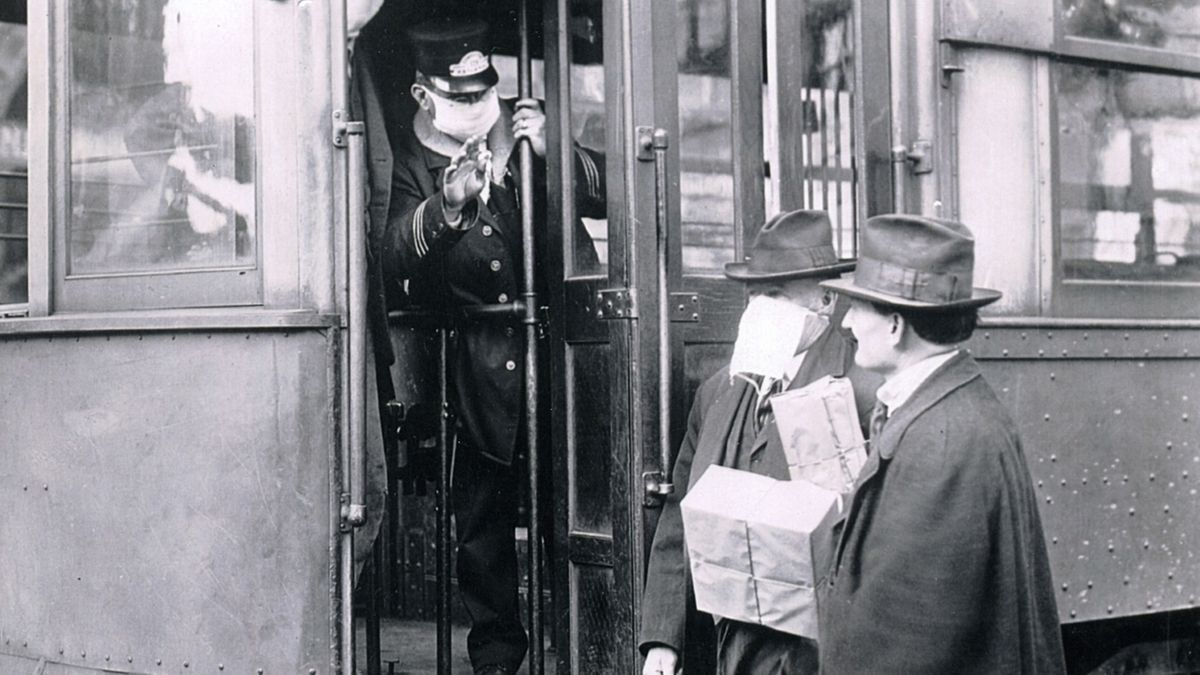 Trambahnschaffner mit Maske, Passagiere mit und ohne Maske während der Spanischen Grippe