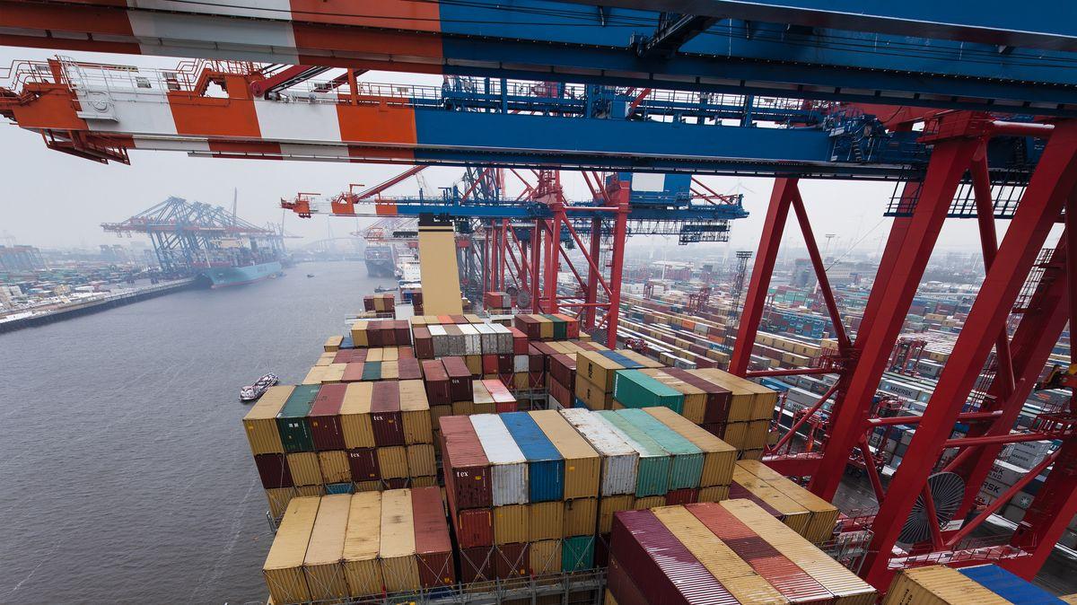 Schiffscontainer am Hamburger Hafen