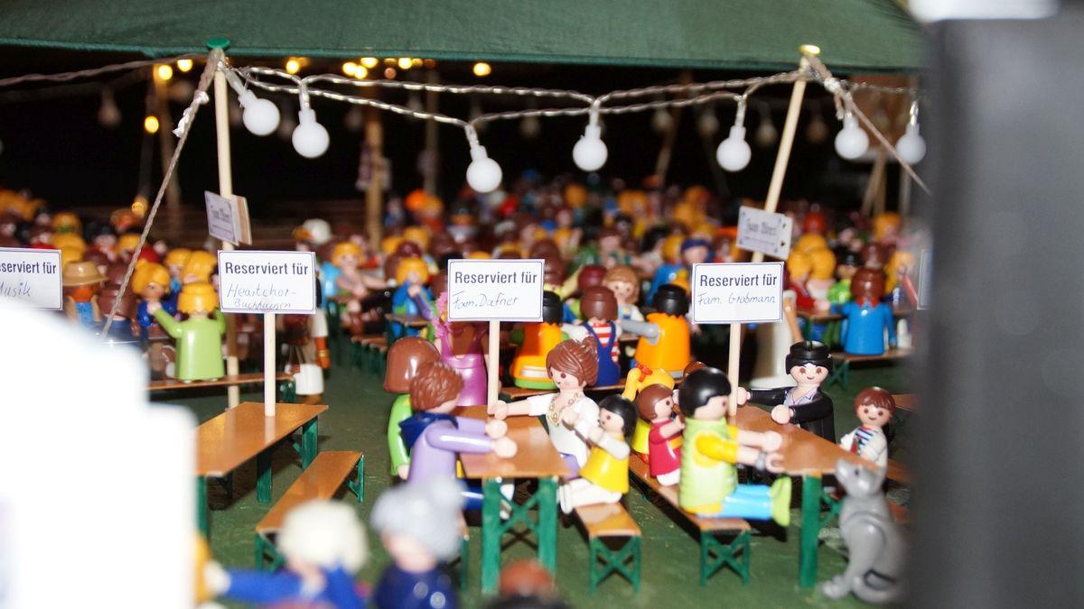 """Reservierte Tische für die """"Besucher"""""""