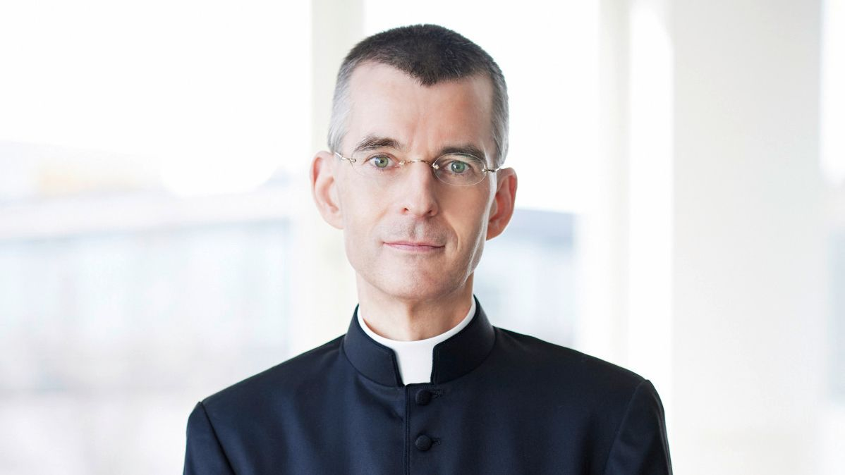 Pfarrer Wolfgang Rothe bekommt derzeit einige Hassmails aus Polen.