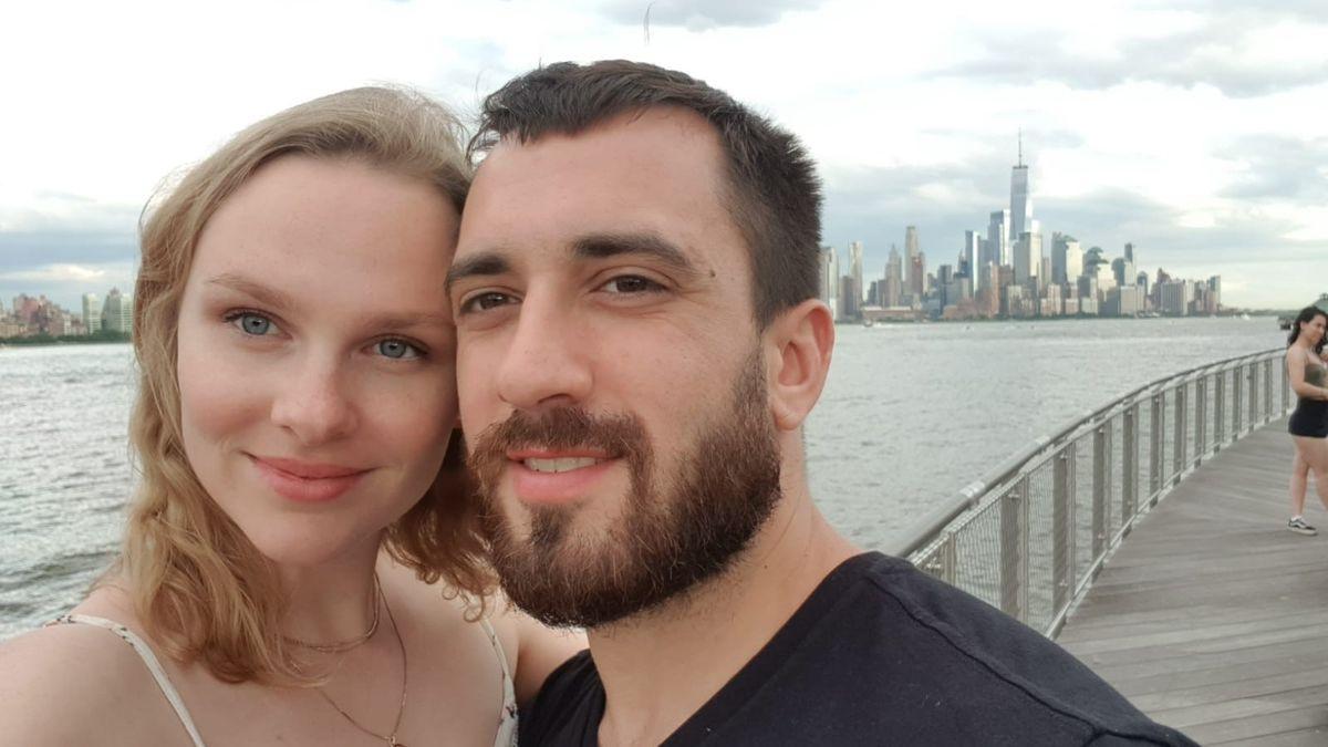 Liebespaar vor der Kulisse von Manhattan