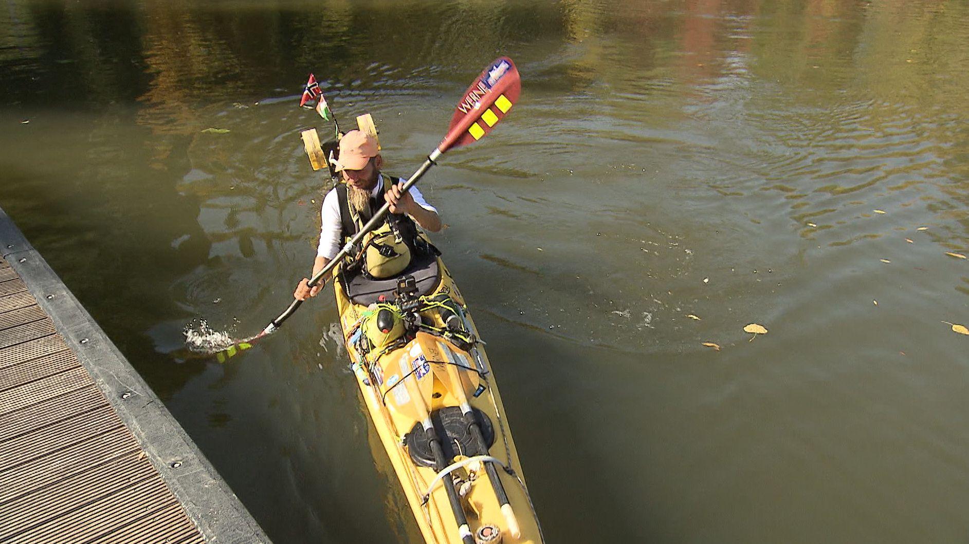 Norweger Richard Varga fährt im Kanu von Norwegen nach Würzburg