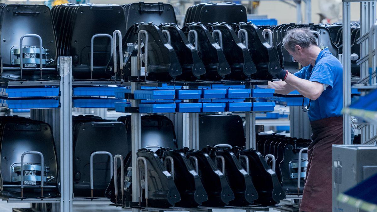Produktion beim Autozulieferer Grammer in Kümmersbruck