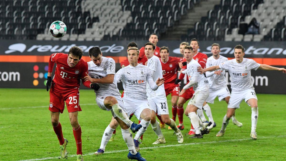 Spielszene Borussia Mönchengladbach - FC Bayern München