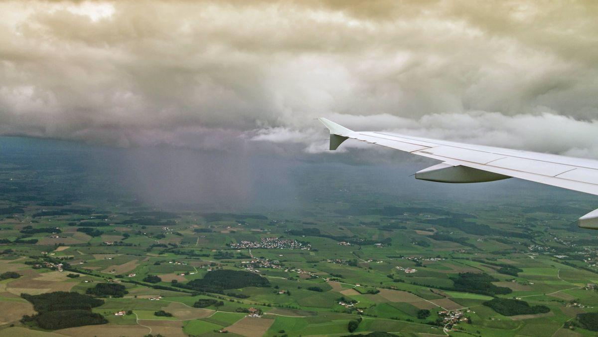 Wer fliegt, kann seinen CO2-Ausstoß kompensieren.