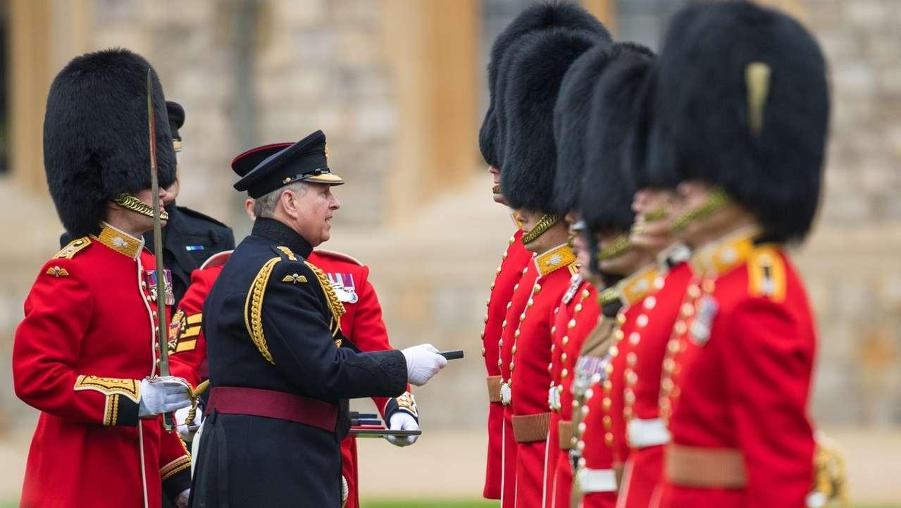 Medaillenverleihung an Grenadier Guards