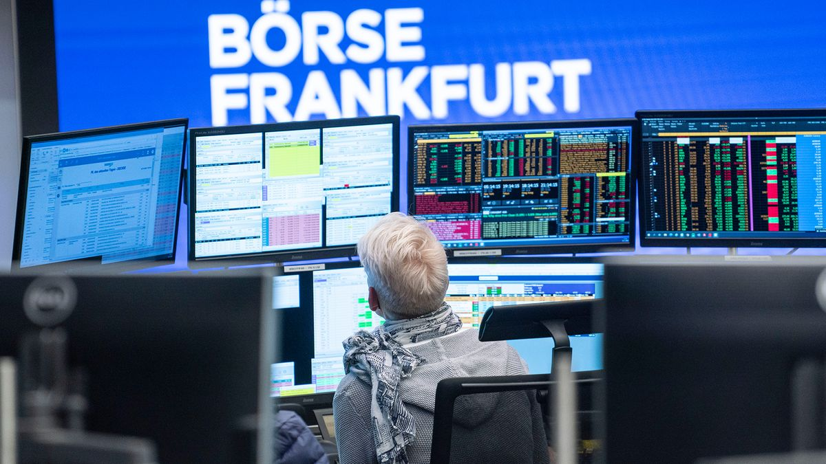 B5 aktuell, bald BR24, berichtet zweimal die Stunde über das Geschehen an den Börsen.
