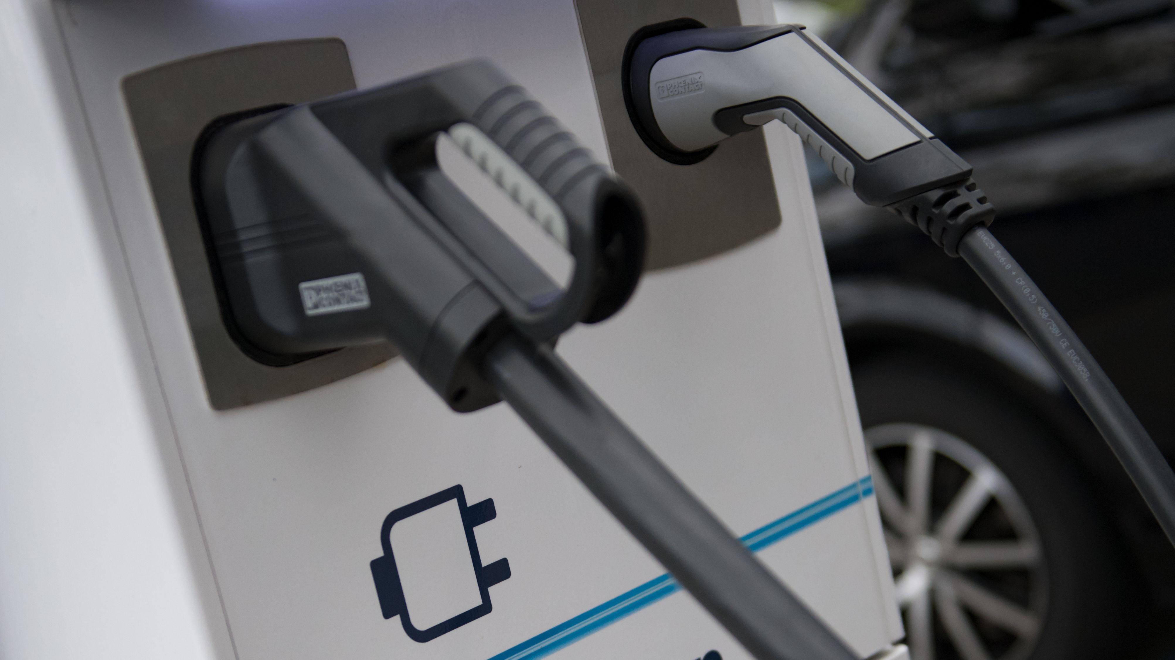 Eine Ladesäule für E-Fahrzeuge