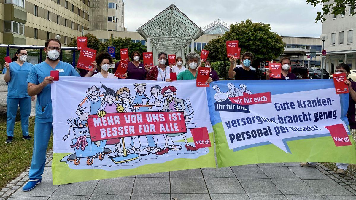 Pflegekräfte demonstrieren in Landshut