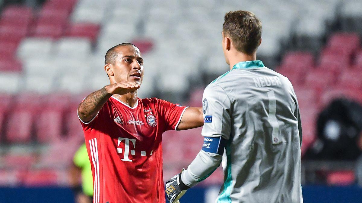 Jubel nach dem 1:0 bei Thiago und Manuel Neuer.