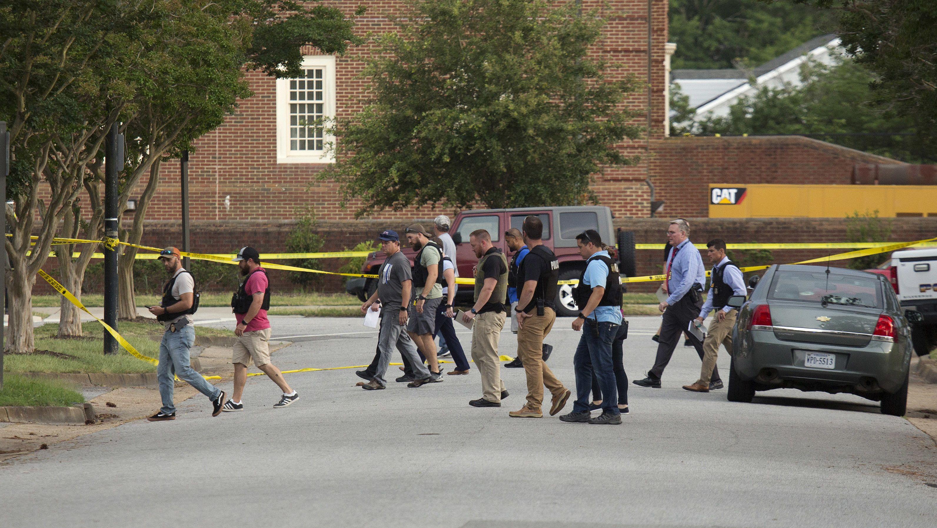 Ein Mann hat in der Stadtverwaltung von Virginia Beach mindestens zwölf Menschen erschossen.