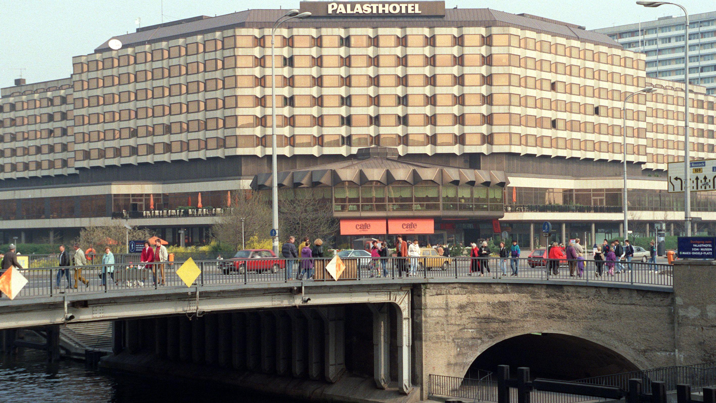 Das Ostberliner Palasthotel (Archivbild 1991)