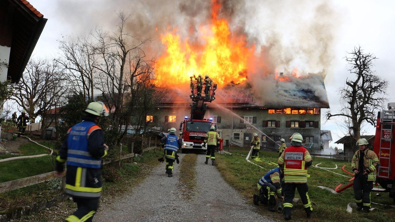 Bauernhof niedergebrannt