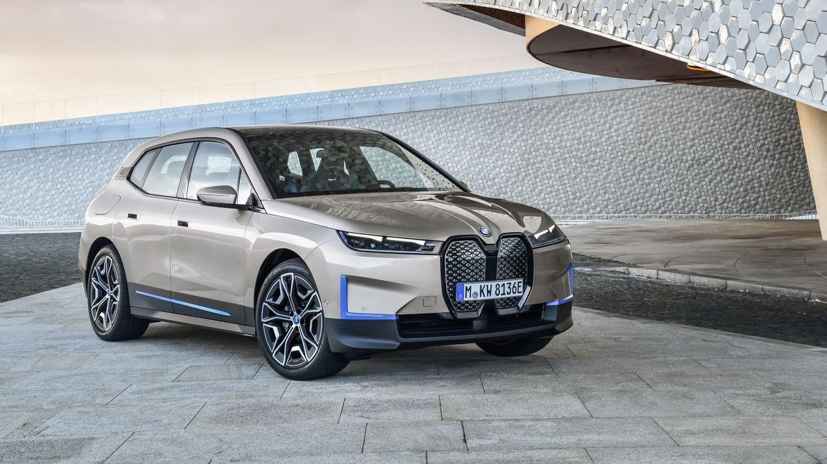 Der BMW iX soll im November auf den Markt kommen