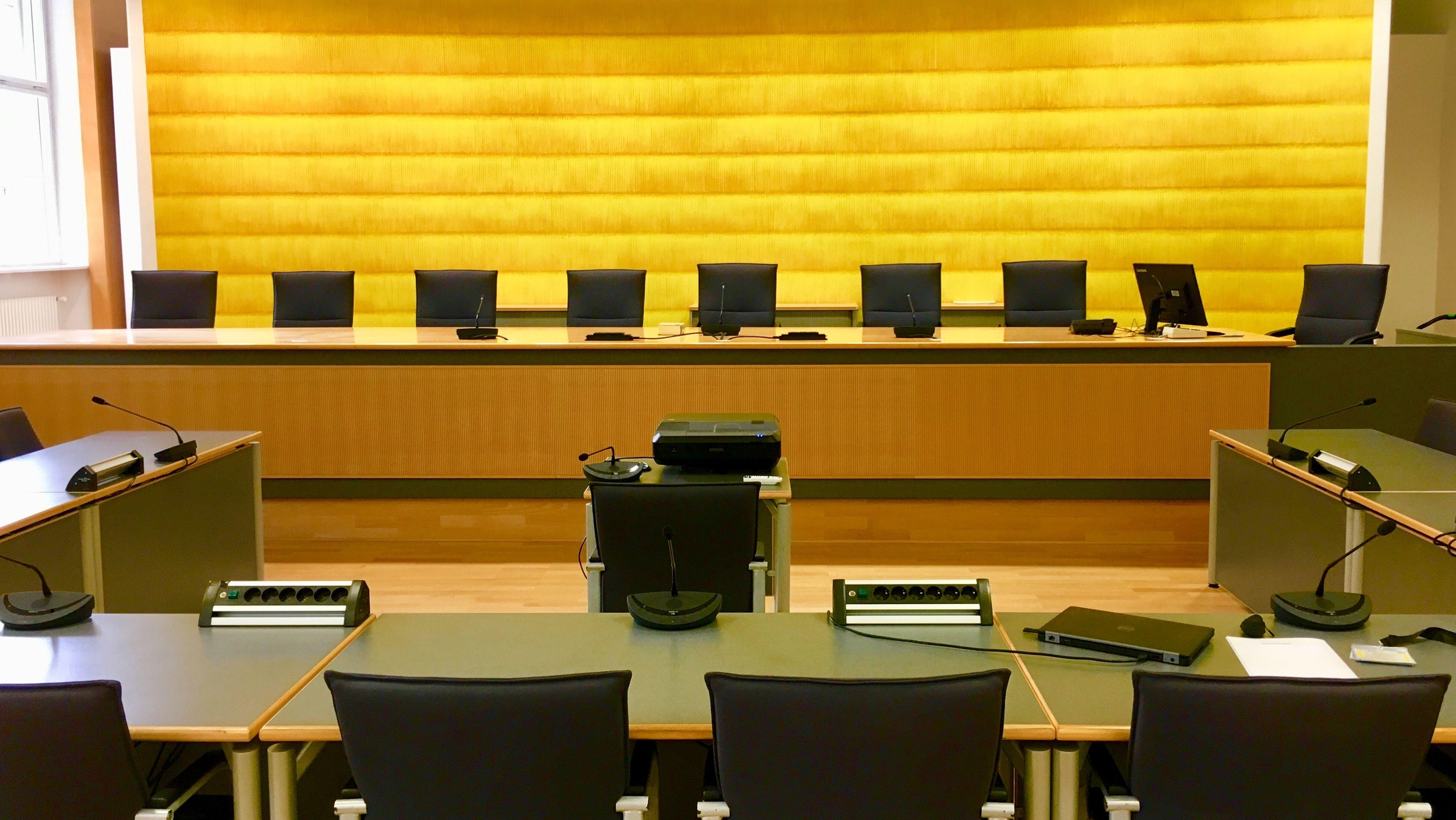 Saal 104 im Regensburger Landgericht