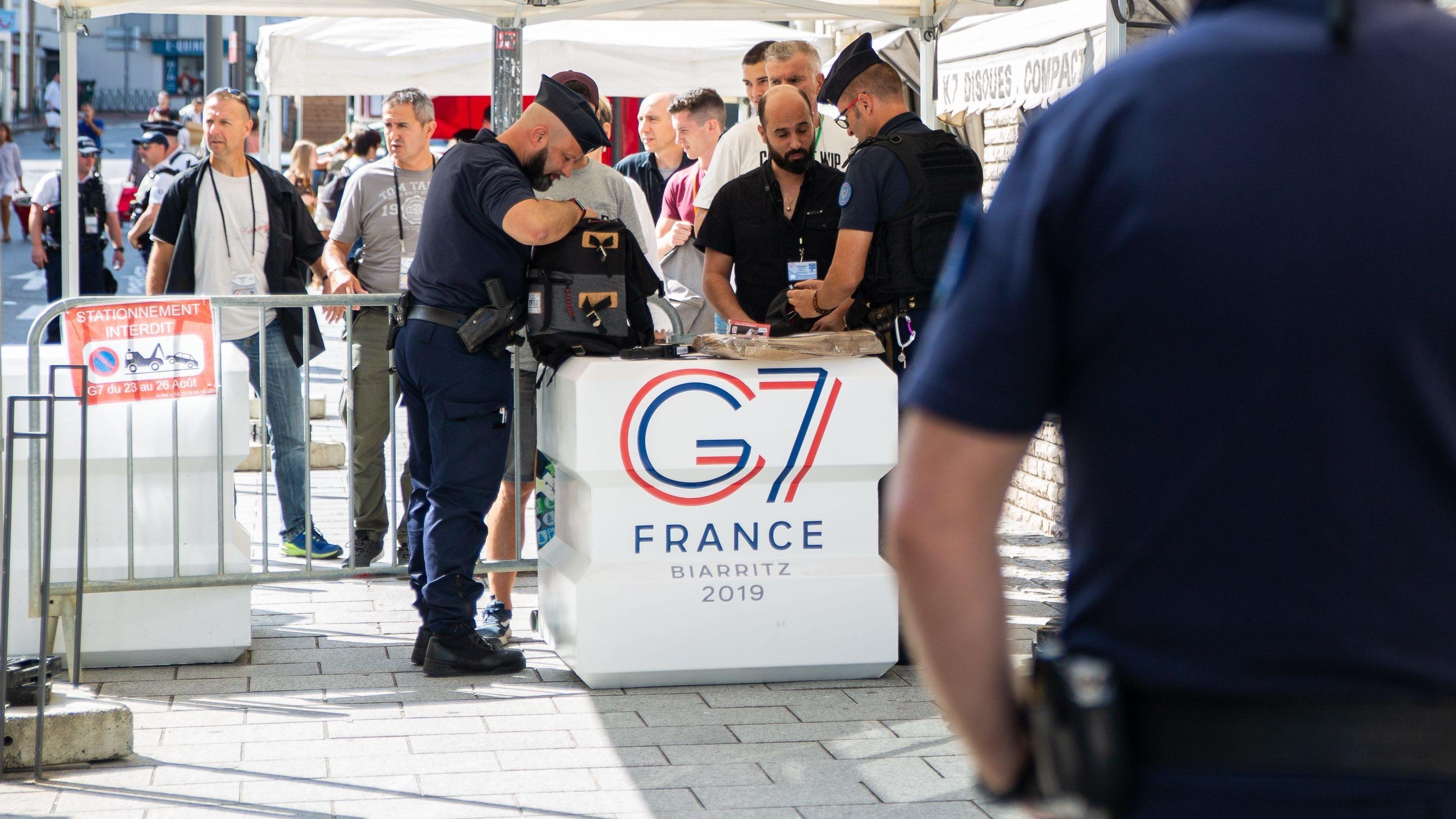 Sicherheitskontrolle in Biarritz