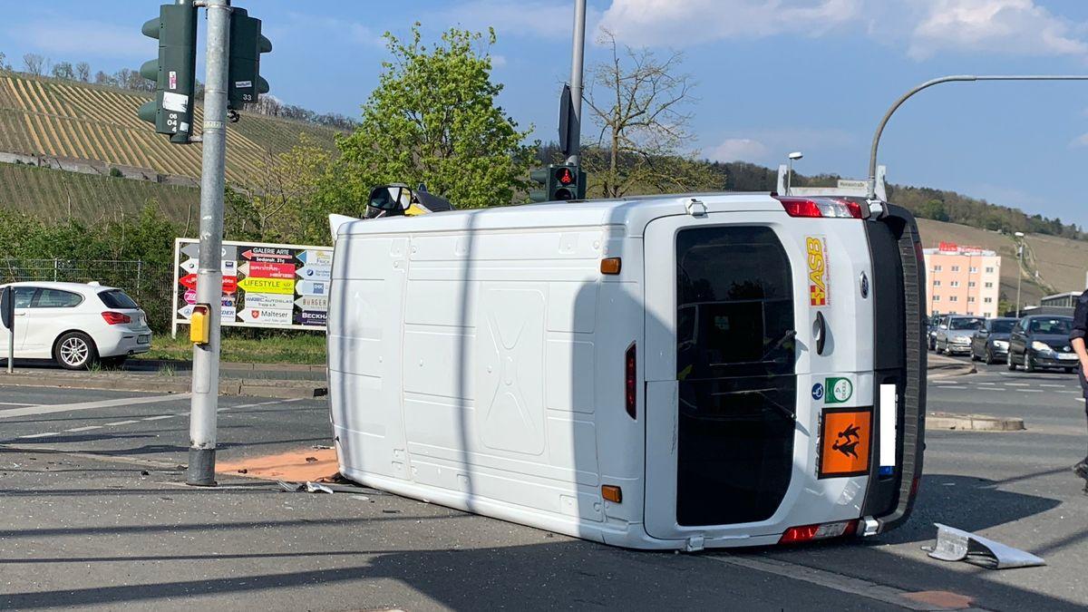 Verkehrsunfall mit Schulbus im Würzburger Stadtteil Zellerau