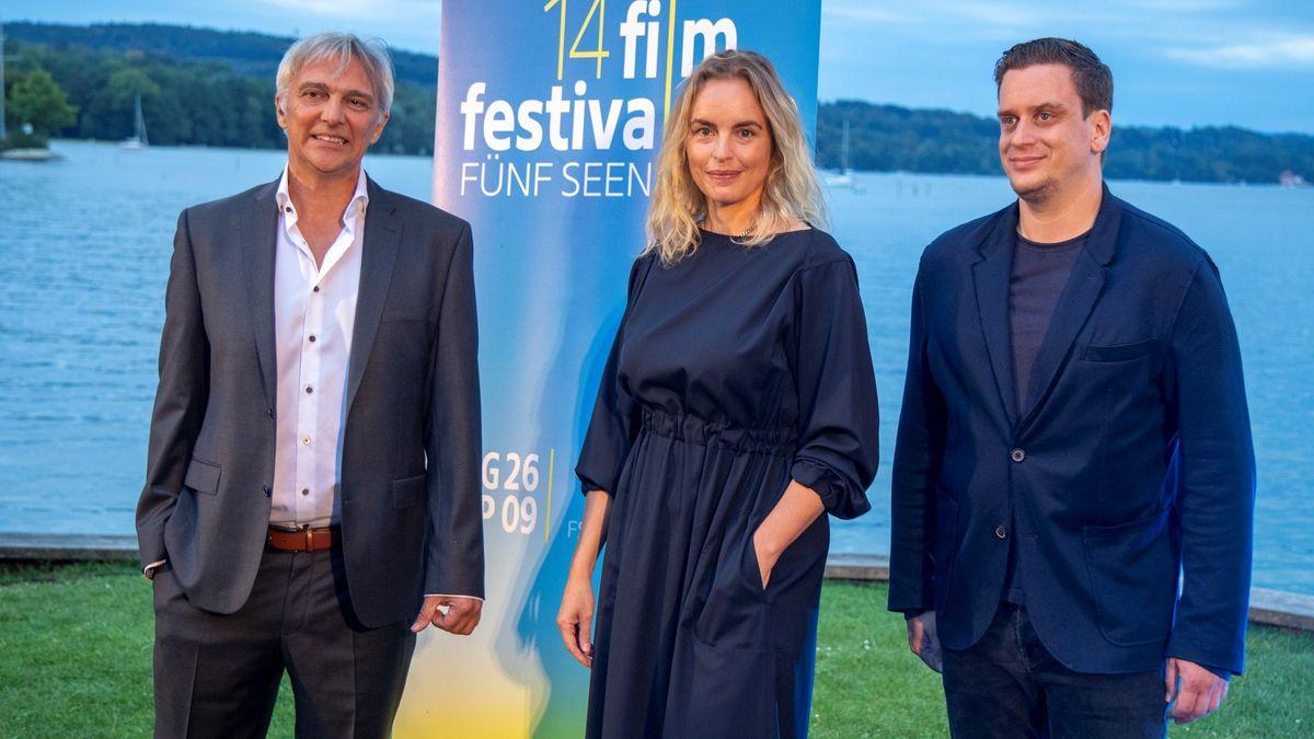 Festivalleiter Matthias Helwig, Nina Hoss, Dominik Elsner auf dem Fünf Seen Filmfestival Open Air direkt am Starnberger See.
