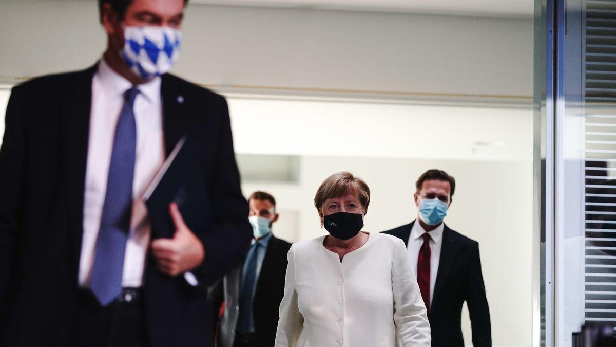 Archivbild: Bundeskanzlerin Merkel und Bayerns Ministerpräsident Söder