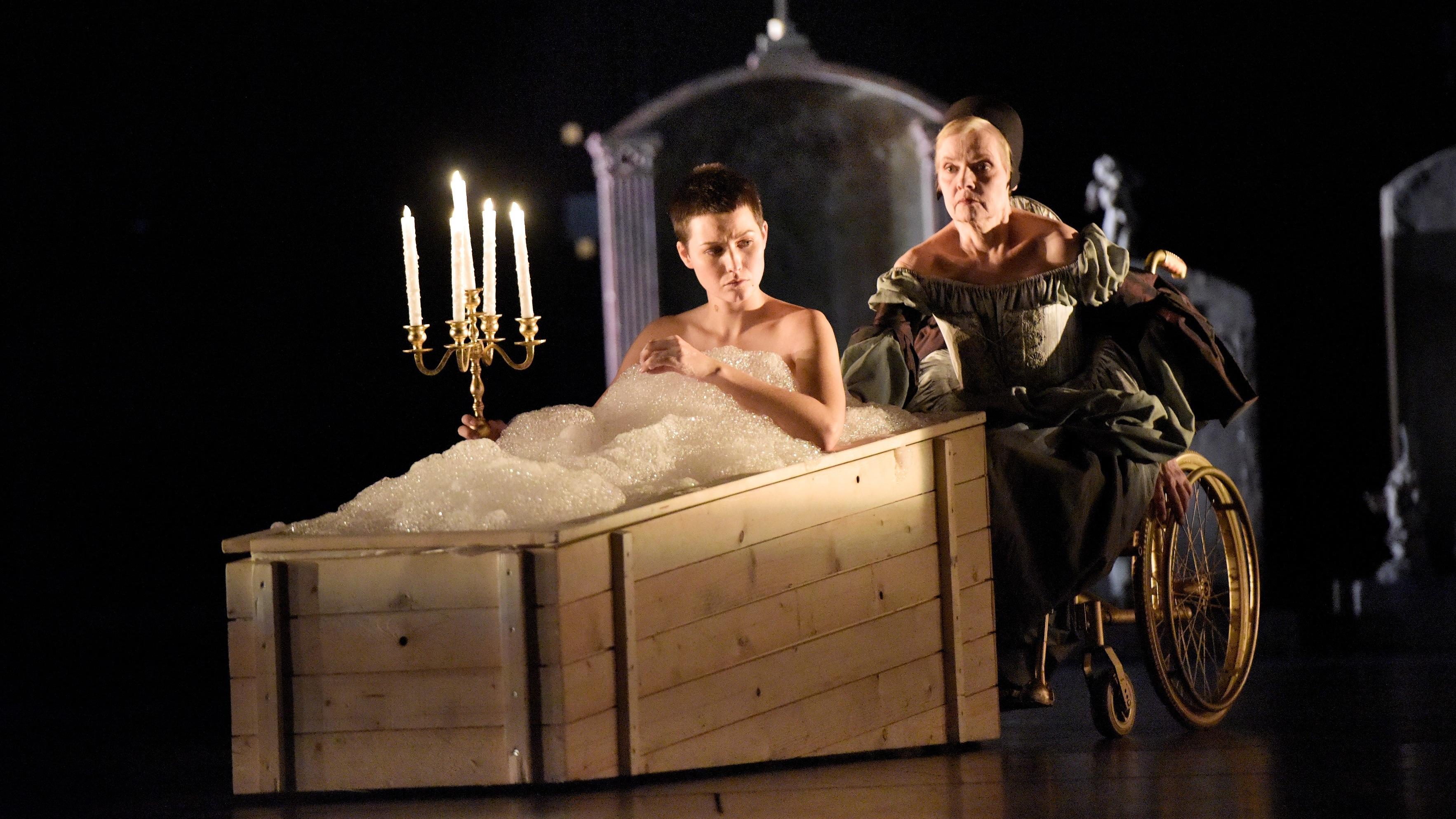 Szene aus Romeo und Julia am Schauspiel Stuttgart