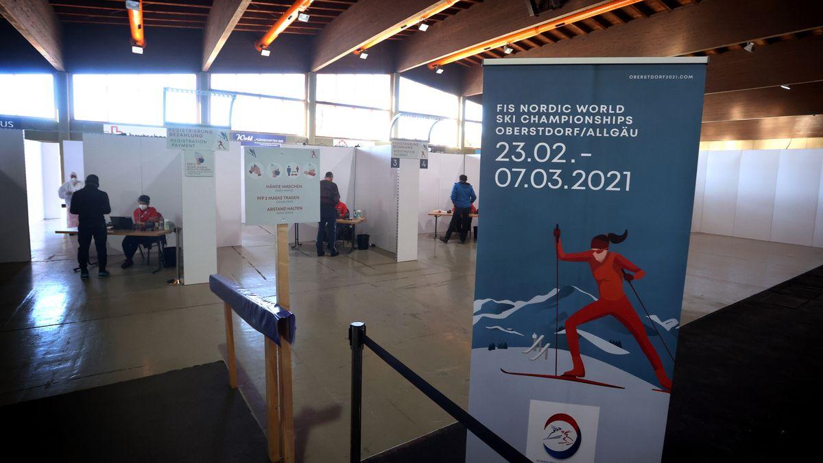 Corona-Teststationen in der Eishalle Oberstdorf
