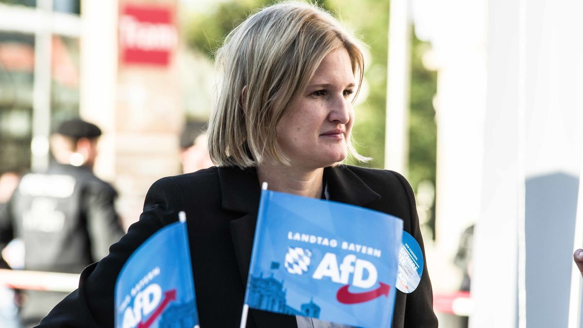 AfD-Fraktionschefin Katrin Ebner-Steiner aus dem Stimmkreis Deggendorf
