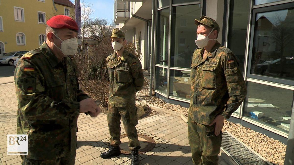 In Bayreuth helfen Soldaten in fünf Seniorenheimen und im Krankenhaus aus.