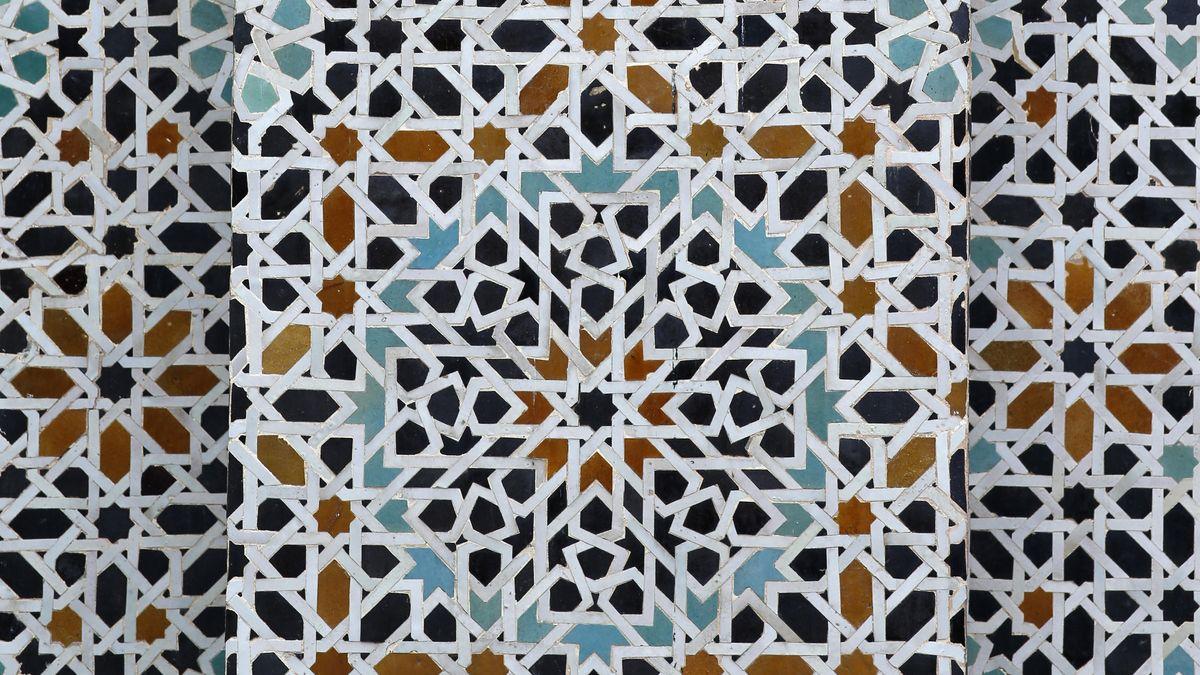 Abstrakte islamische Kunst in Fes, Marokko