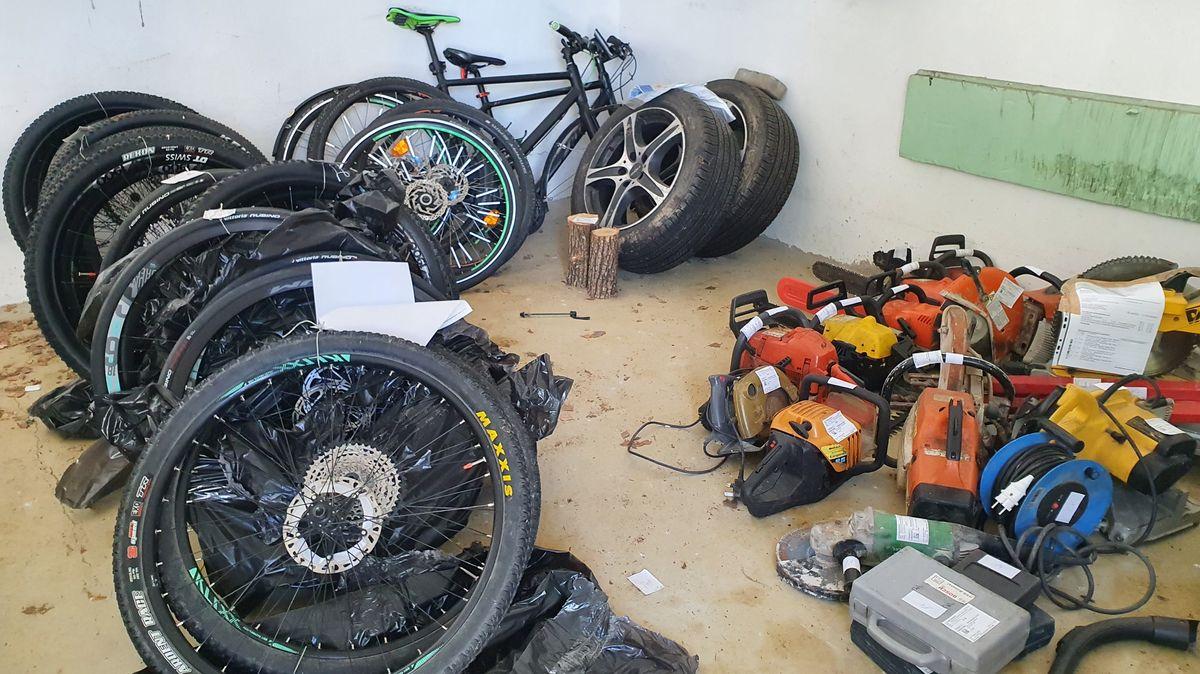 Sichergestellte Gegenstände aus Fahrzeugkontrollen