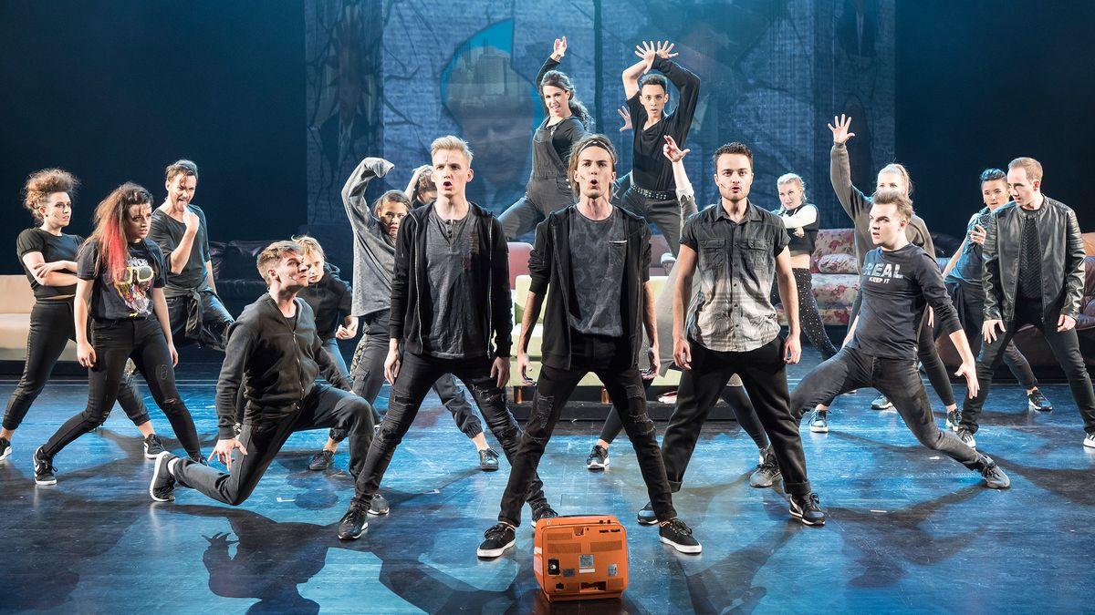 Studenten der Theaterakademie im Bühnen-Einsatz