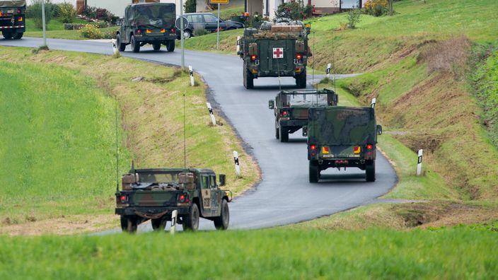 Fahrzeuge der US-Armee nahe Grafenwöhr