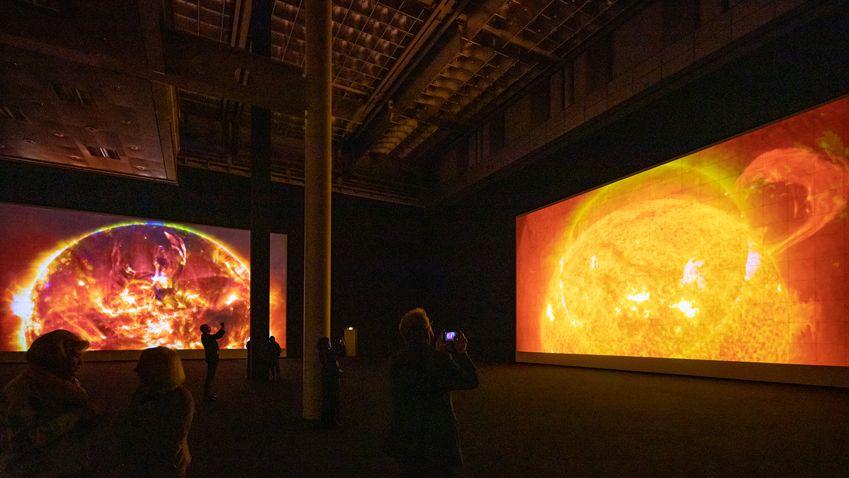 Blick in die Ausstellung Ryoji Ikeda data-verse